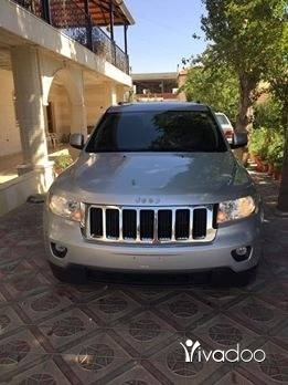 Jeep in Beirut City - 2011 grand cherokee 4x4 (٦سلندر) clean carfax ajnabe