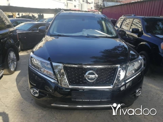 Nissan in Bourj el Barajneh - Pathfinder SV