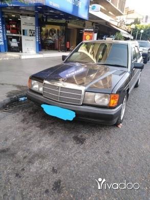 Mercedes-Benz in Tripoli - مرسيدس 190