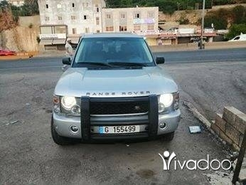 Rover in Zgharta - Range rover vogue v8 2003 phone