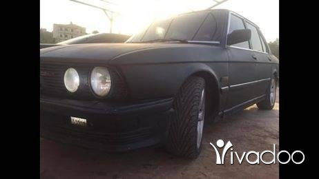 BMW in Ain Akrine - 525 motor aswad ac jant 17 mfawleh kilshi illa benzine
