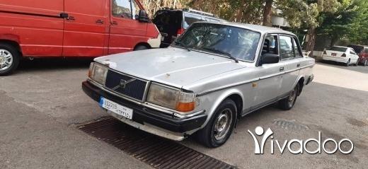 Volvo in Ain el-Remmaneh - Volvo 240