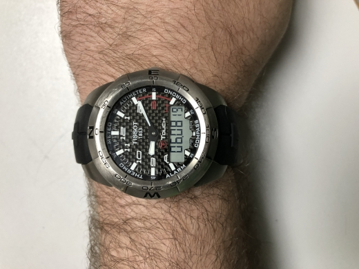 Watches in Antelias - Seller