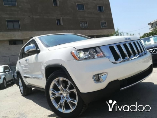 Jeep in Zahleh - Jeep limited V6 clean carfax