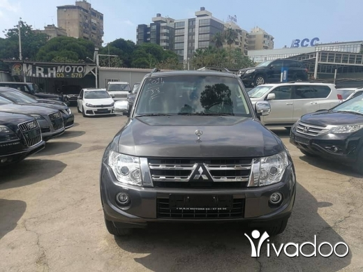 Mitsubishi in Port of Beirut - Mitsubishi pajero model 2014