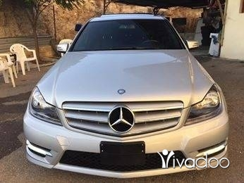 Mercedes-Benz in Majd Laya - C 300 mod 2012 clean 79000 mille