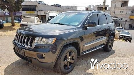 Jeep in Dekouaneh - Jeep Grand cherokee Dark Grey 2011 ajnabe