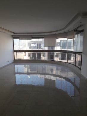 Apartments in Hamra - شقة للبيع الحمرا مساحة 180 متر