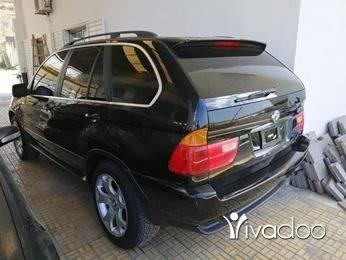 BMW in Tripoli - bmw x5 v8 2001 mfawal