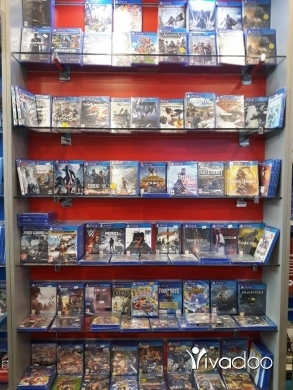 Other Video Game Accessories in Beirut City - Cd ps4