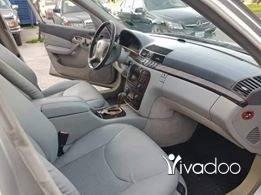 Mercedes-Benz in Tripoli - 320 model 99 enkad