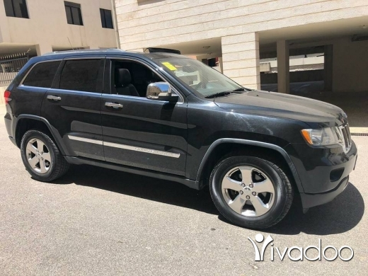 Jeep in Port of Beirut - 2011 jeep Grand Cherokee limited v6