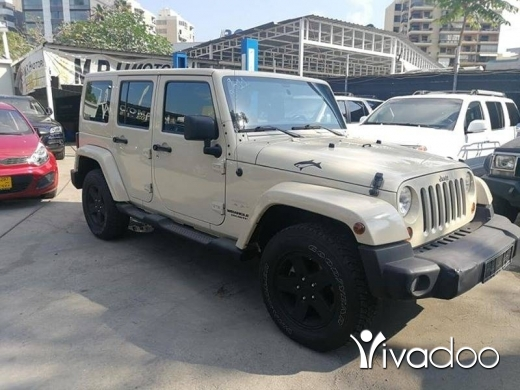 Jeep in Beirut City - Wrangler sahara unlimited 2011