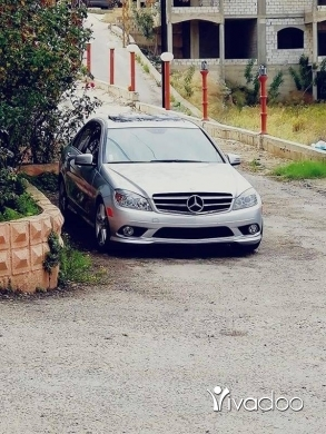 Mercedes-Benz in Sarafand - C300 2010 اجنبية.ماشية ١٠٤٠٠٠مايل.امكانية الفحص بالكامل.٧٠٤٥٥٤١٤