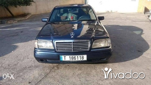 Mercedes-Benz in Tripoli - C220