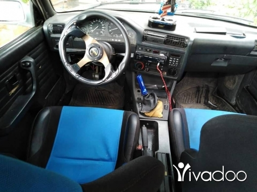 BMW in Akkar el-Atika - Bmw 325 model 88 7dedi boya jdidi