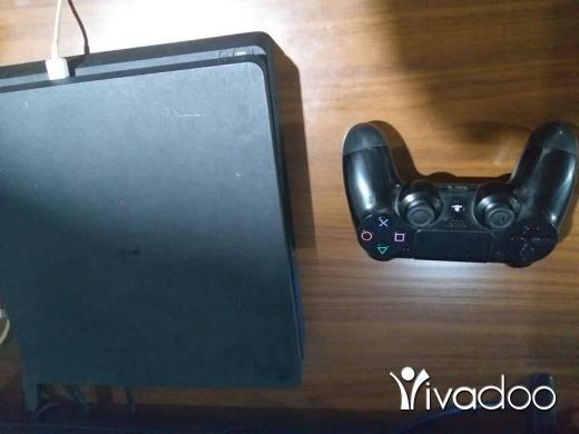 PS4 (Sony Playstation 4) in Beirut City - بلاي ستايشن 4 سليم بحالة جيدة