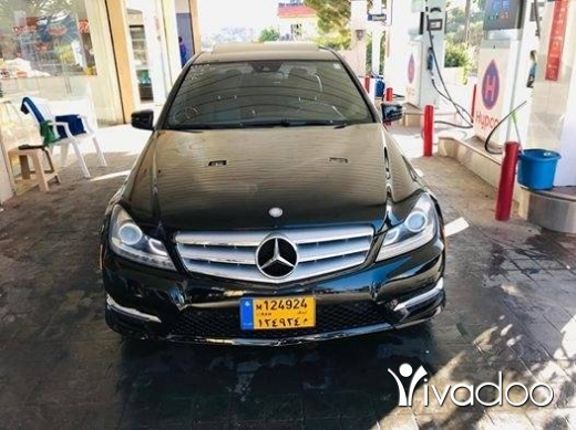 Mercedes-Benz in Dbayeh - C350 2012 fully loaded in excellent condition