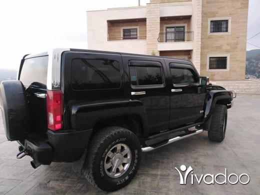 Hummer in Akroum - جيب هامر موديل ٢٠٠٦ خارق النضافة