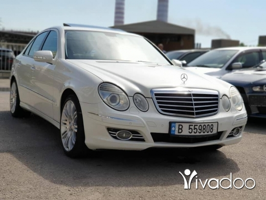 Mercedes-Benz in Port of Beirut - 2007 E200 in perfect condition