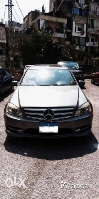 Mercedes-Benz in Jdeideh - Mercedes-Benz C300 sedan model 2011