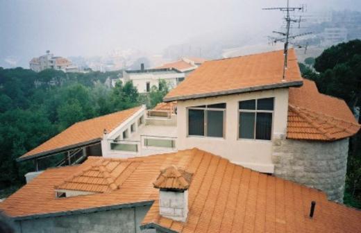 Other real estate in Bikfaya - بناية للبيع في النعص بكفيا