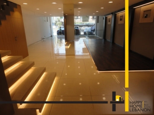 Shop in Jal el-Dib - Showroom for rent in Jal El Dib