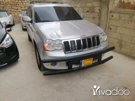 Jeep in Beirut City - Jeep hemi v8 2008