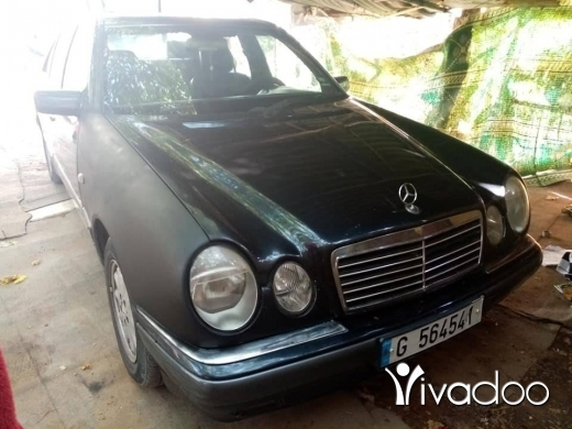 Mercedes-Benz in Afsdik - مرسيدس 230