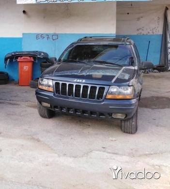 Jeep in Beirut City - Grand cheeroke laredo 4x4 6 cylinders