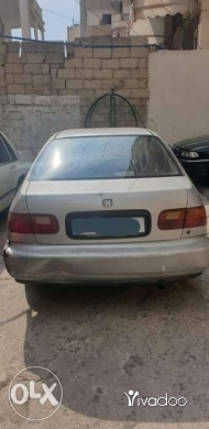 Honda in Borj Hammoud - honda civic 1992