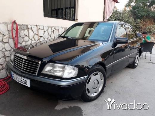 Mercedes-Benz in Berqayel - سياره جديدي مسجله ماعليها مكانيك ٢٢٠ موديل ١٩٩٥ تلفون
