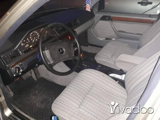 Mercedes-Benz in Tripoli - مارسيدس300E