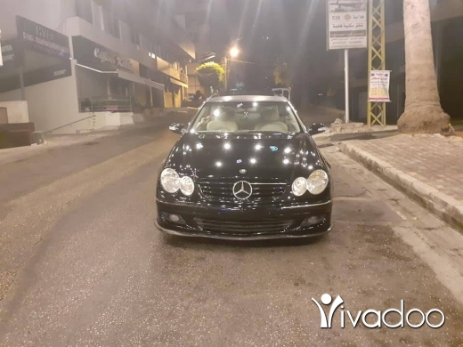 Mercedes-Benz in Port of Beirut - Mercedes clk 320 2003