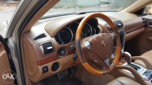 Porsche in Bsalim - porsche cayenne 2004