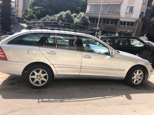 Mercedes-Benz in Achrafieh - Mercedes C320 station for sale
