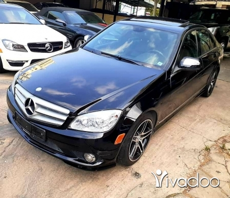 Mercedes-Benz in Jdeideh - Mercedes C 300 mod 2009 look AMG