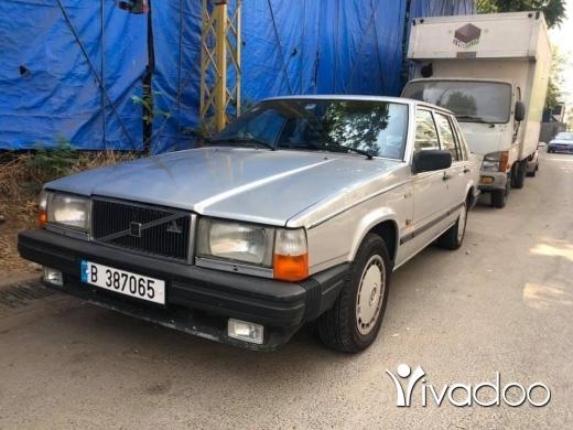 Volvo in Port of Beirut - Volvo 740-GL 1987