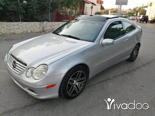 Mercedes-Benz in Zgharta - C 230 mod 2004 (4 cylindre) panoramique phone