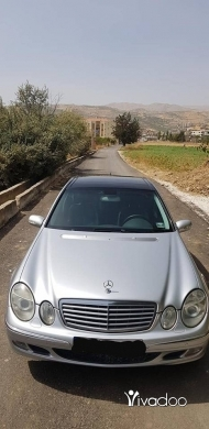 Mercedes-Benz in Tripoli - mercedes e very clean silver on black