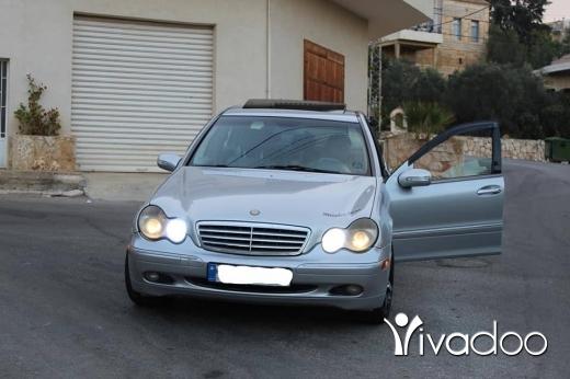 Mercedes-Benz in Port of Beirut - Mercedes C240 2003