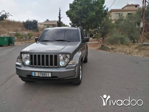 Jeep in Beirut City - Jeep cheroko