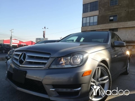 Mercedes-Benz in Zahleh - C250 V6 model 2012 clean carfaxLeather seats