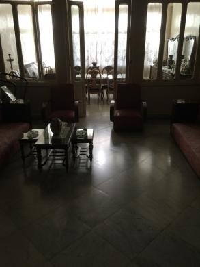 Apartments in Tal - شقة في شارع المصارف طرابلس للبيع