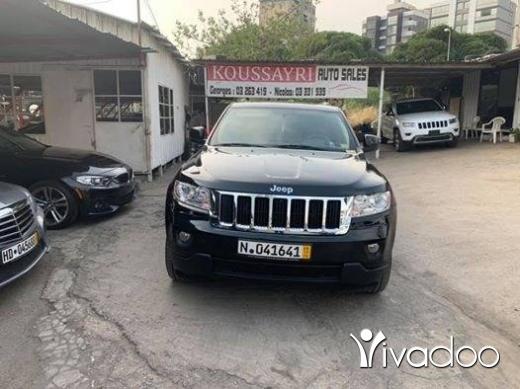 Jeep in Beirut City - 2012 Jeep Grand Cherokee V8 Hemi