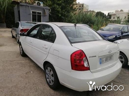 Hyundai in Bouchrieh - Huyndai accent model 2011 melik wahad ndife mch na2sa chi full option 4 kahraba automatic ac cash aw