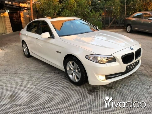 BMW in Beirut City - 2011 BMW 528i white/black not registered 80,000 miles wide screen sunroof power folding mirrors