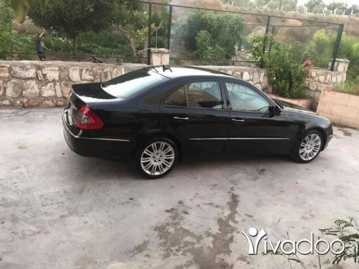 Mercedes-Benz in Deir Kanoun - mercedes class E
