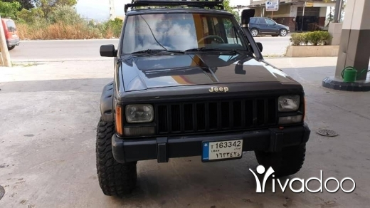 Jeep in Beirut City - Jeep cherokke balck for salee