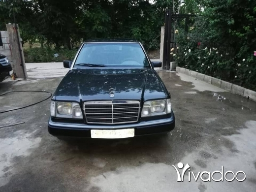 Mercedes-Benz in Zahleh - Mercedes E220 94